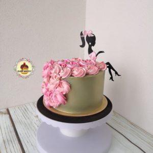 торт кремовый с девушкой топпер