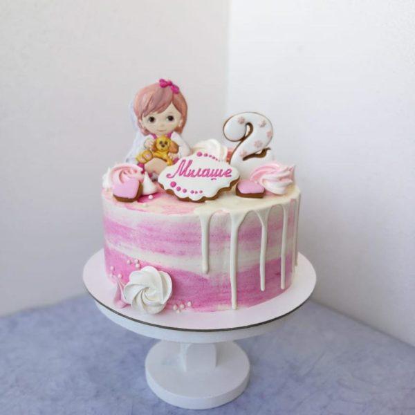 Торт с девочкой из пряников